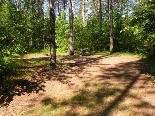 Rustic campgrounds in the northern highland american for Northern wisconsin fishing resorts