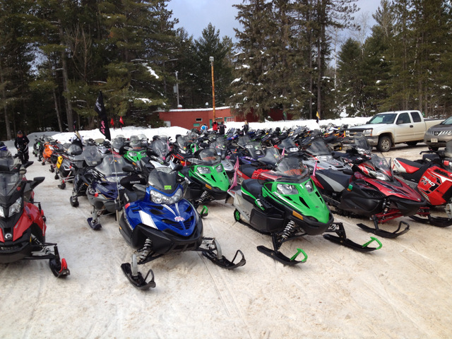 SNOWMOBILE-CLUB-SLEDS