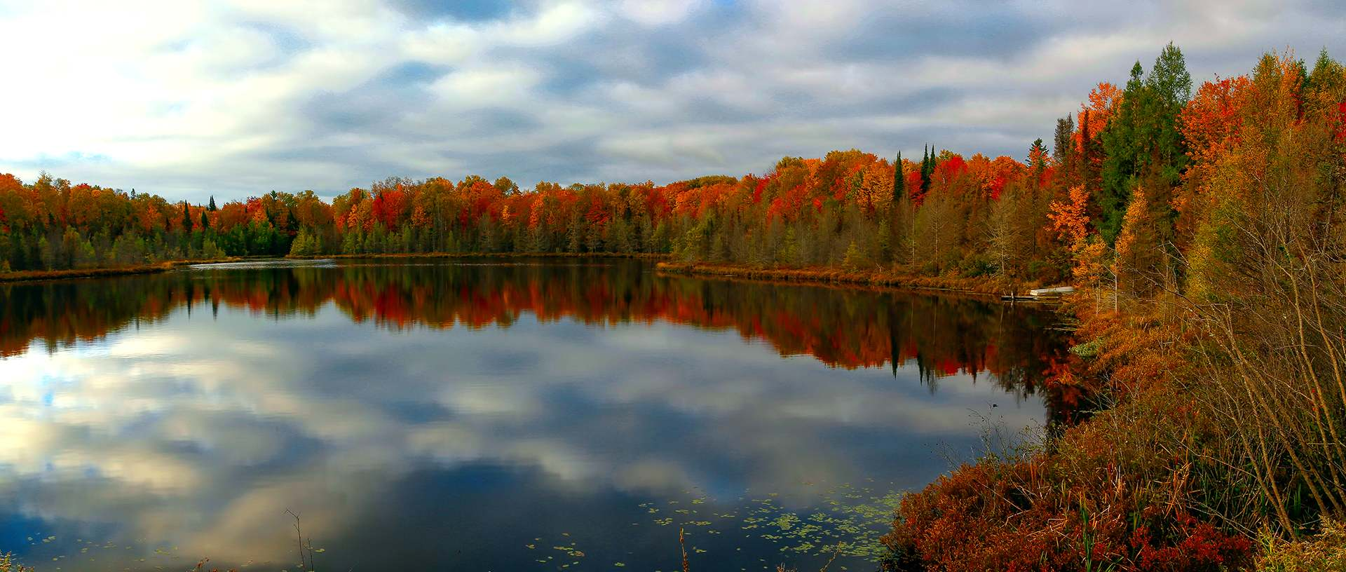Win a Northwoods getaway & see amazing fall color!